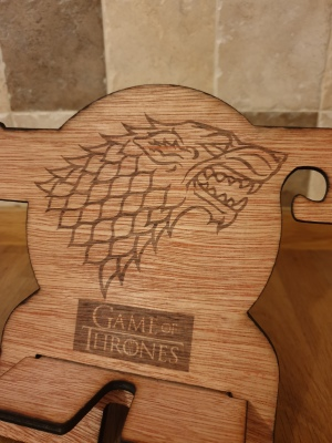 Game of Thrones style phone organisers