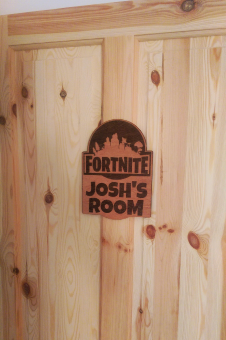 Fortnite personalised wooden door sign