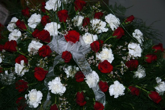 white carnations & red roses