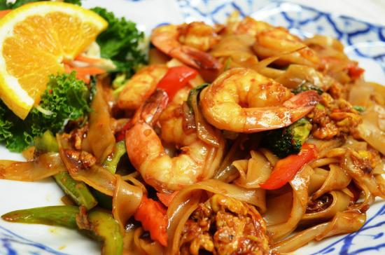 Drunken Noodle with Shrimp