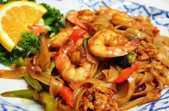 Drunken Noodle with Shrimp