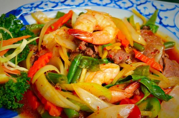 Pad Prik with Shrimp & Beef
