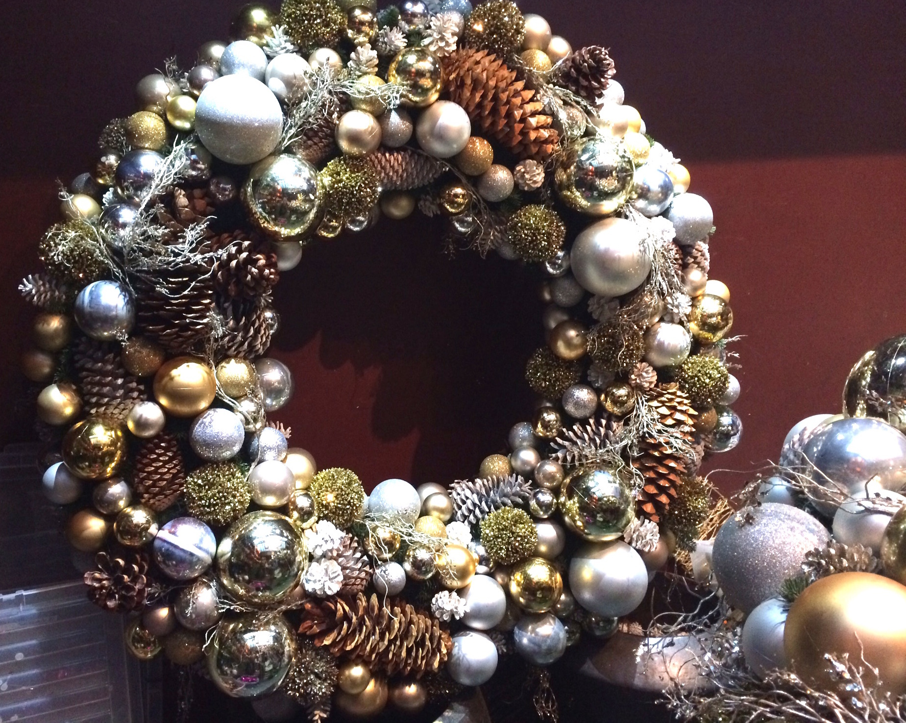 Join me and make your own 'Luxury Christmas Wreath'