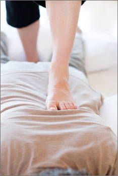 ashi thai massage, massage by foot