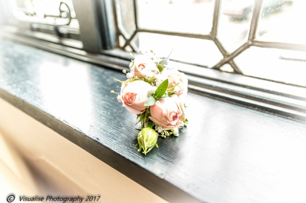 WEDDING BOUQUET AT THE BAYTREE HOTEL BURFORD WEDDING PHOTOGRAPHY OXFORDSHIRE