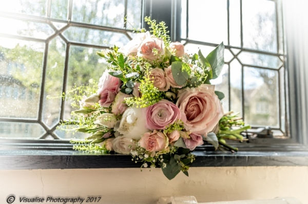 BRIDES WEDDING BOUQUET THE BAYTREE HOTEL BURFORD WEDDING PHOTOGRAPHY OXFORDSHIRE