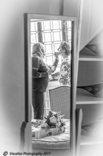 BEAUTIFUL BRIDE AT THE BAYTREE HOTEL BURFORD WEDDING PHOTOGRAPHY OXFORDSHIRE
