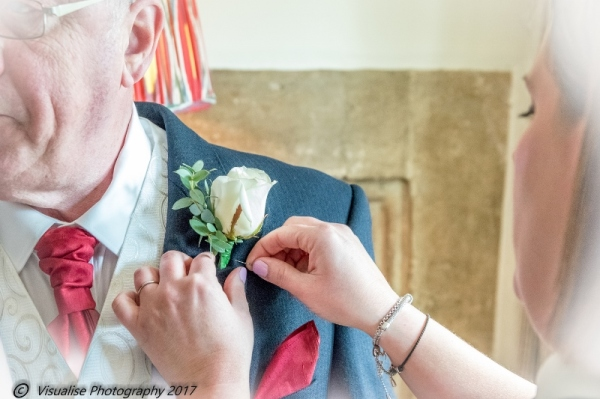 WEDDING BUTTON HOLES AT THE BAYTREE HOTEL BURFORD WEDDING PHOTOGRAPHY OXFORDSHIRE