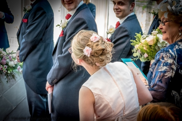 PROFESSIONAL WEDDING PHOTOGRAPHY AT GREAT PRICES