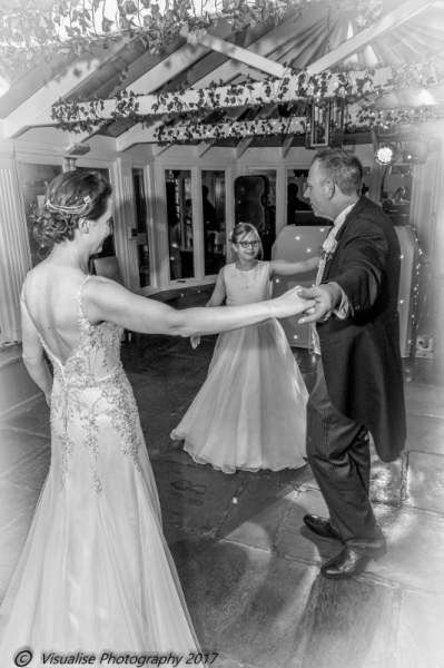 THE BAYTREE HOTEL BURFORD WEDDING PHOTOGRAPHY OXFORDSHIRE