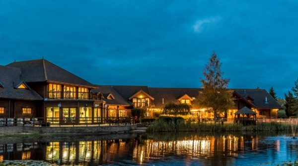 witney lakes resort wedding