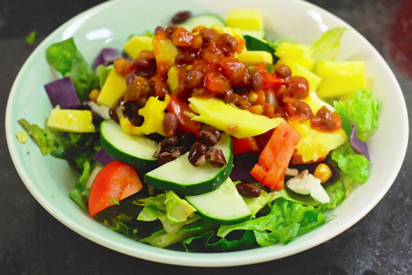 Quick and easy 8 ingredient taco salad
