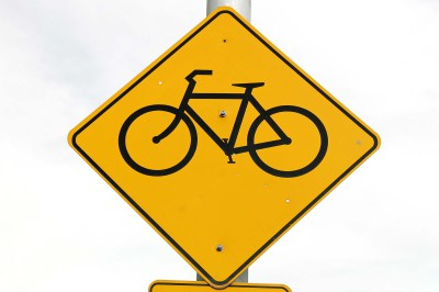 Bicyclist battles $200 ticket ... and wins