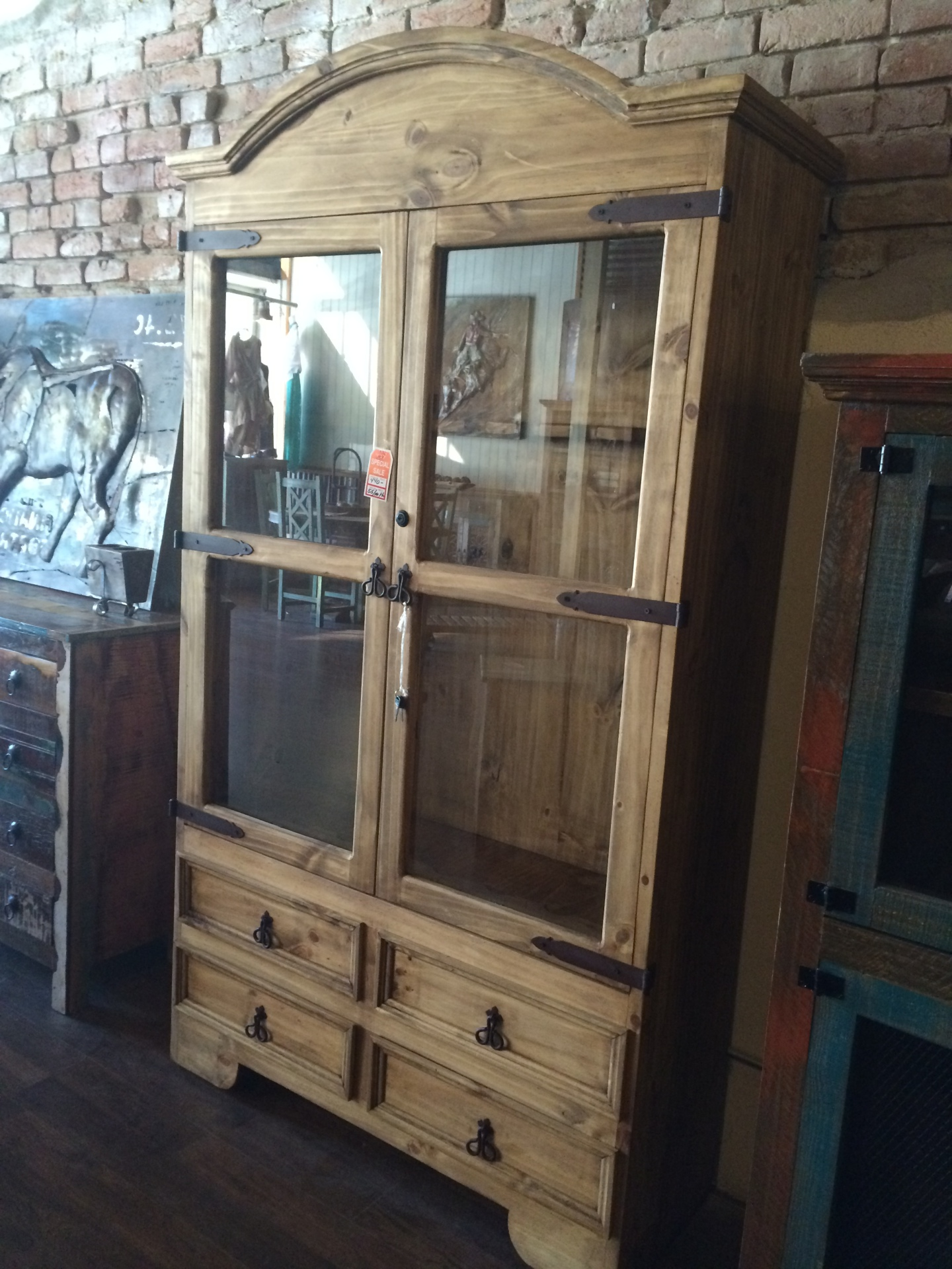 8 Gun Cabinet includes key lock $440