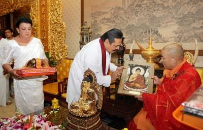 ஈழத்தில் 100 பௌத்த விகாரைகளை முன்னேற்ற சீனா பண உதவி