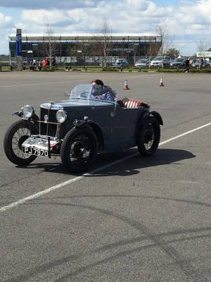 MGs on song at VSCC Oulton