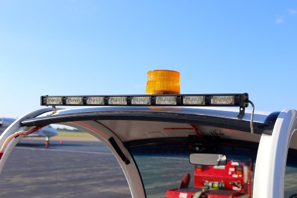 Airport Service Vehicle with Whelen TAD8 LED Traffic Advisor