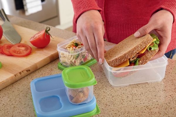 Filling Lunchboxes