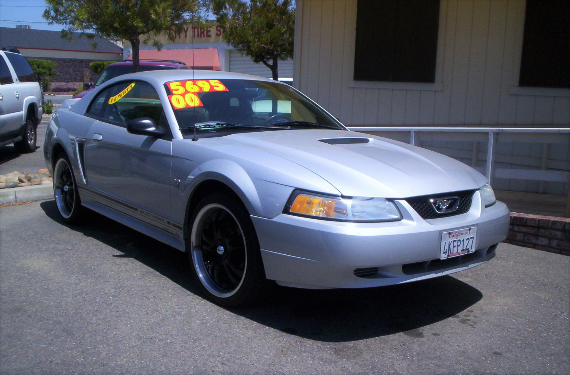 2000 Ford Mustang - $5,695
