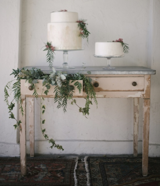 Vintage Cake Table & Cake Stands