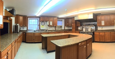 """<img src=""""kitchen.jpg"""" alt=""""kitchen"""">"""