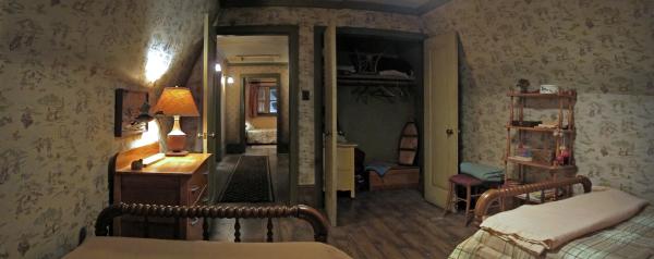 Cabin Upstairs - Bedroom