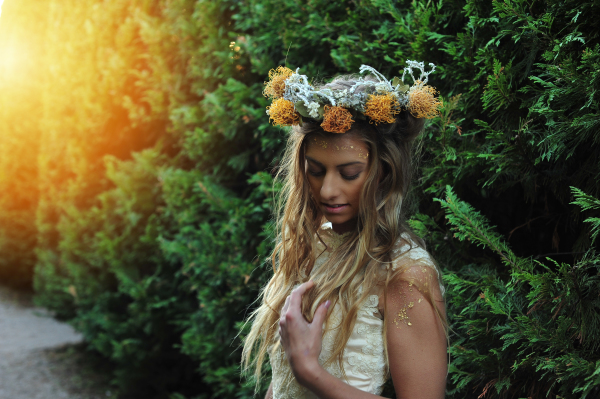 Sunlit flower crown looking sharp