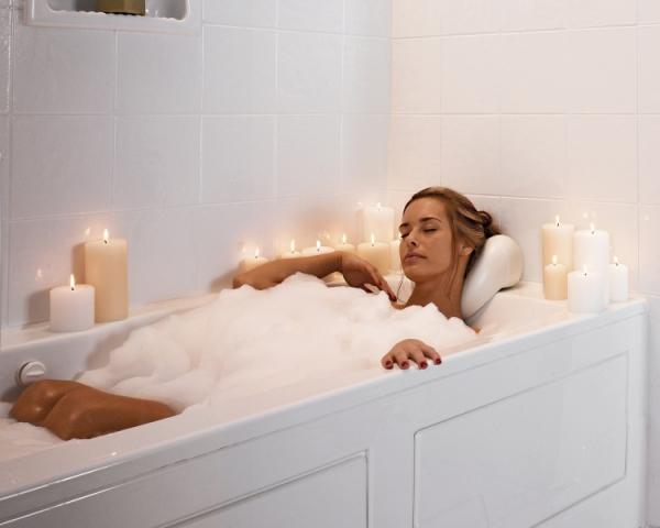 Whirlpool/soaker Tubs