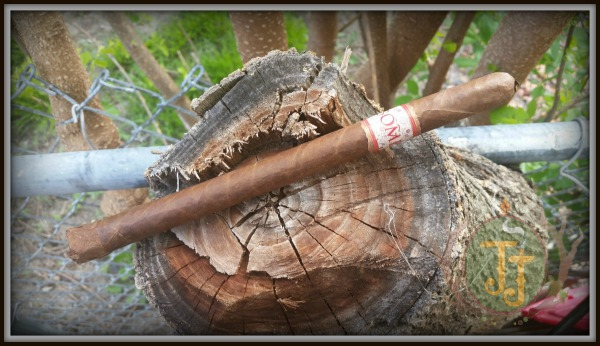 MBombay Mora Lancero cigar review by JJ Cigar Review. Courtesy of Bombay Tobak