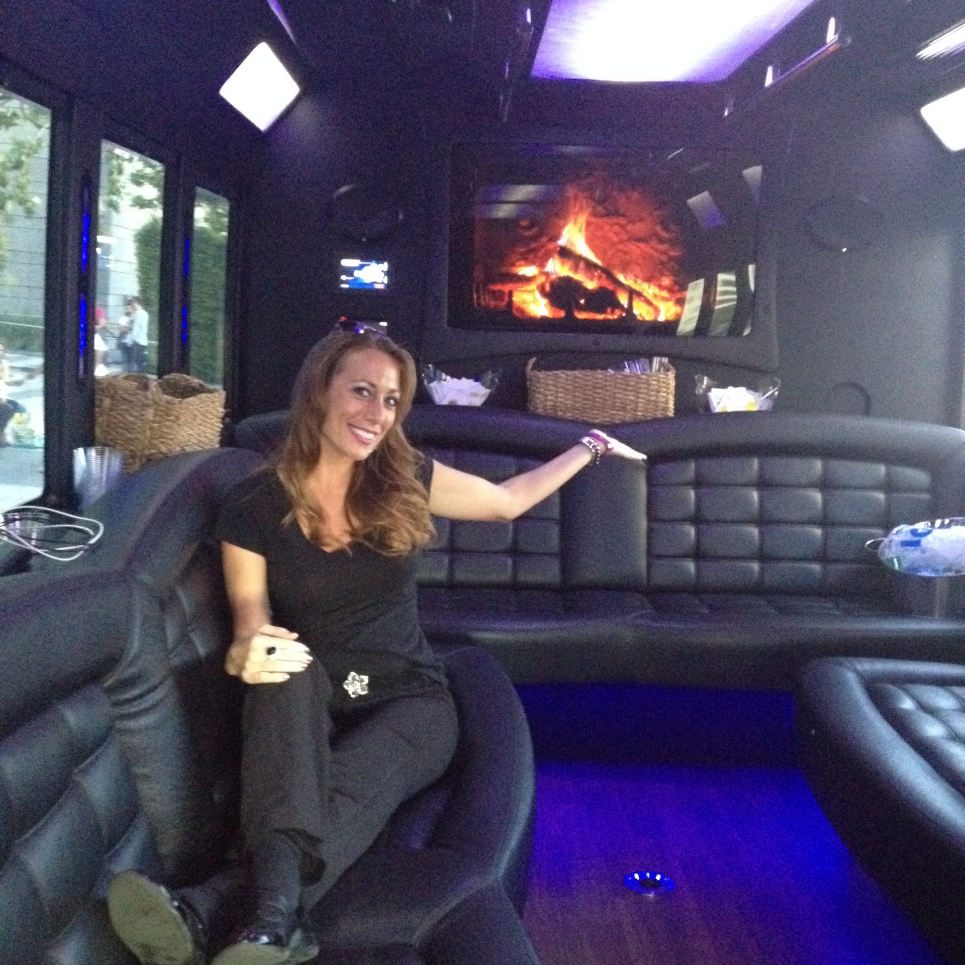 VIP Shuttle Hostess - E3