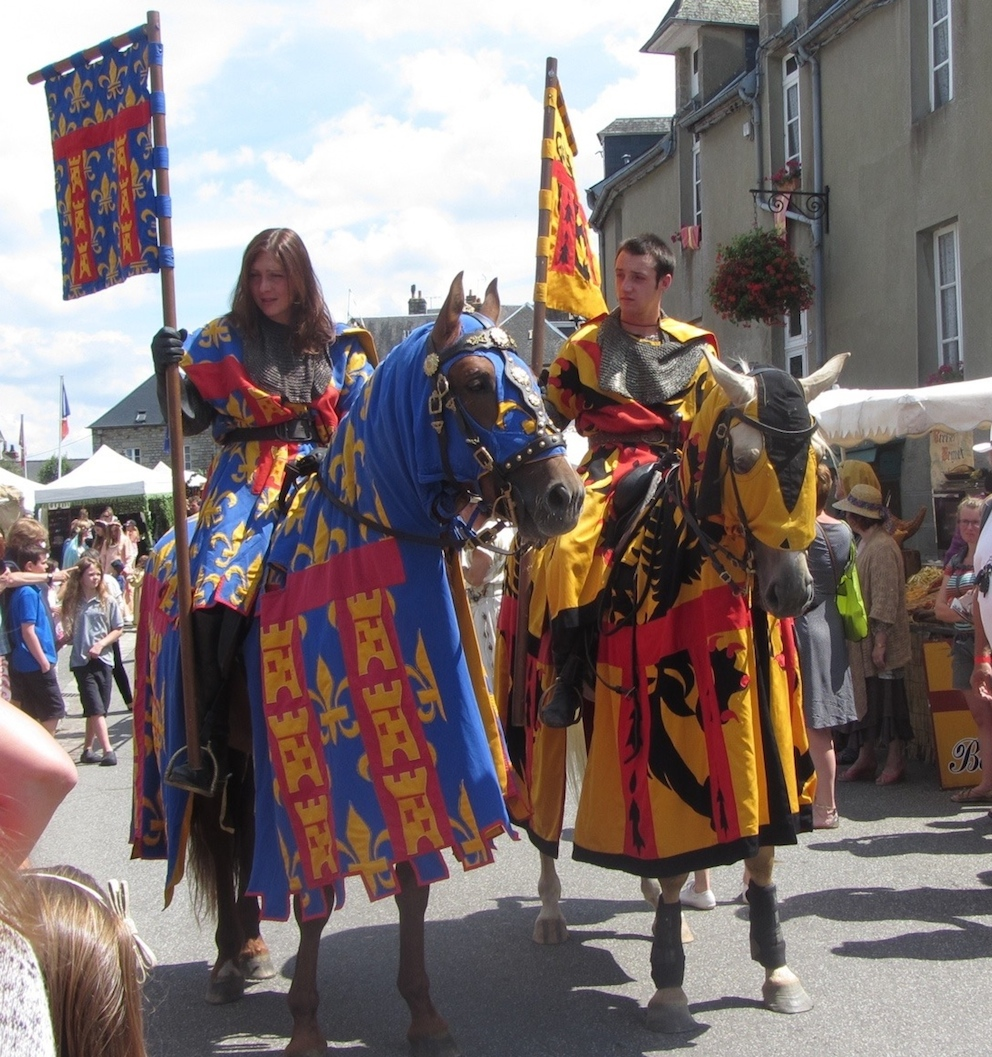 knights ride in medieval festival in Domfront 2015
