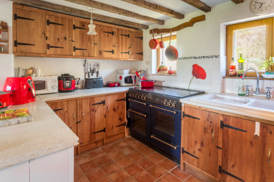 Le Choisel kitchen - French holiday venue