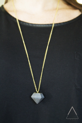 Long single pendant necklace