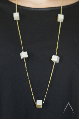 Long mutli pendants necklace