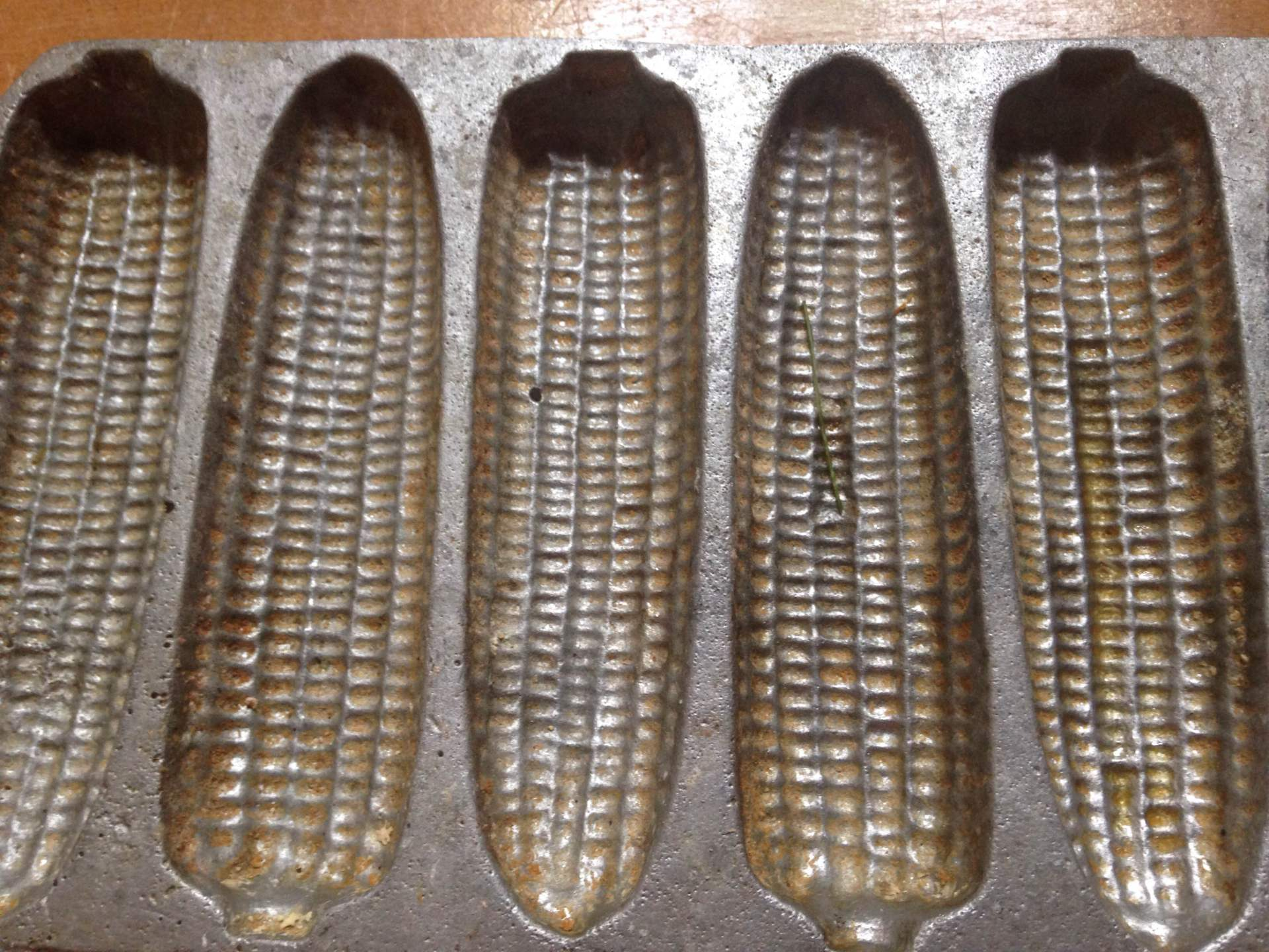 Vintage Corn Muffin Pan