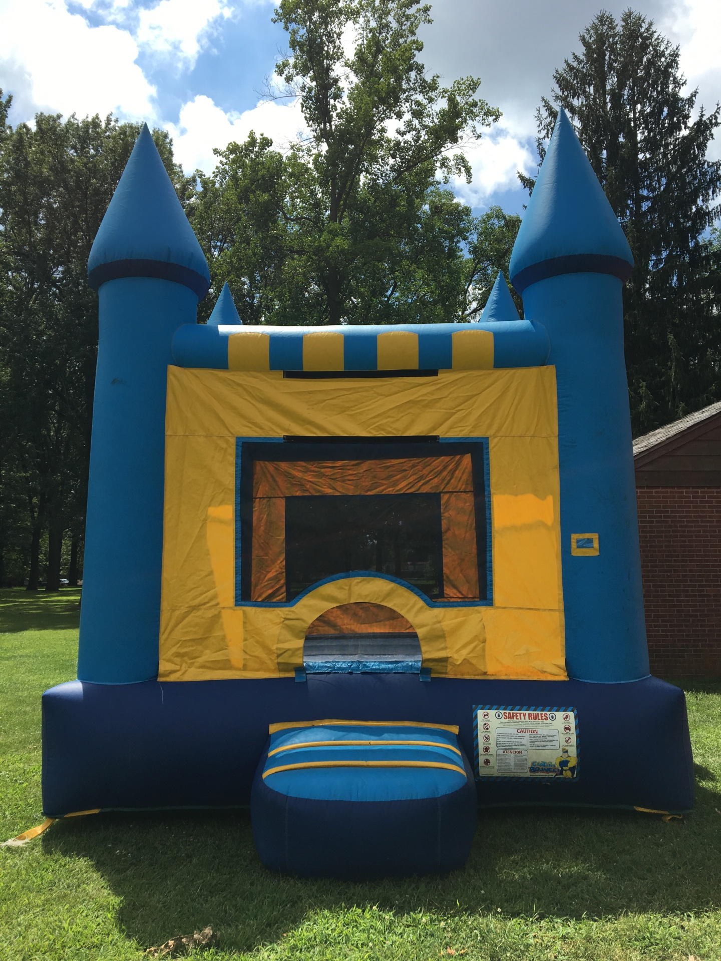 Castle Bounce House $180