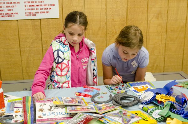 Crafts at Stealaway Summer Camp