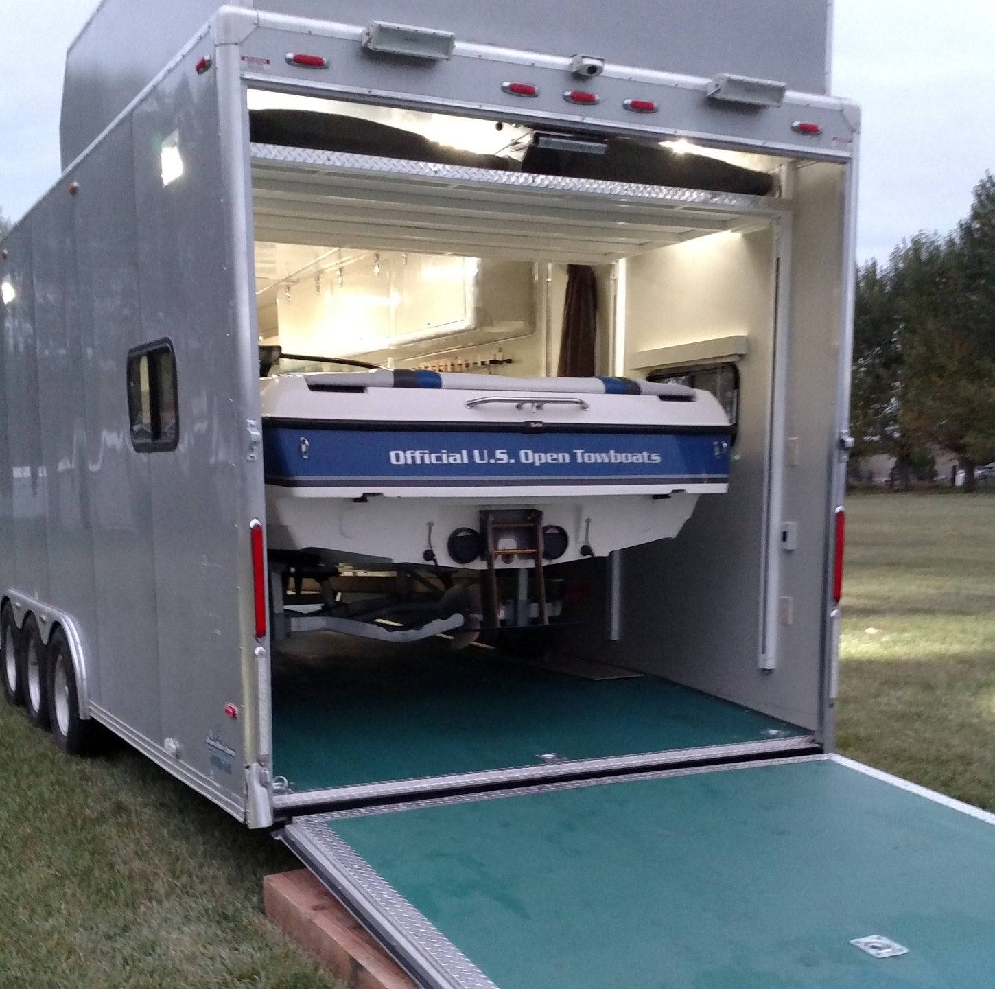 Double Decker Bed Anyone Haul A Boat Inside Their Toy Hauler Page 2