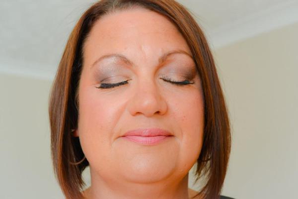 "<img src=""occasionmakeup.jpg"" alt=""Hampshire Makeup Artist""/>"
