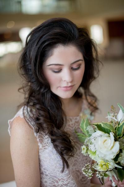"<img src=""bridalmakeup.jpg"" alt=""Hampshire Makeup Artist""/>"