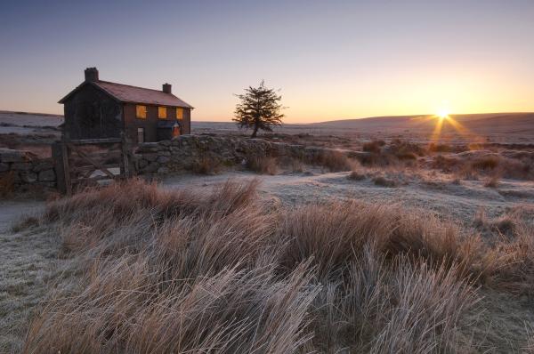 Nuns Cross Farm sunrise, Dartmoor, L103