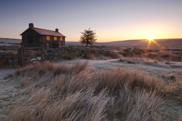 Nuns Cross Farm sunrise, Dartmoor, L103