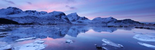 Lofoten lake Norway P103