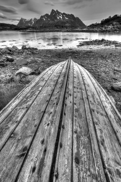 Old boat, Lofoten Islands, Norway T113
