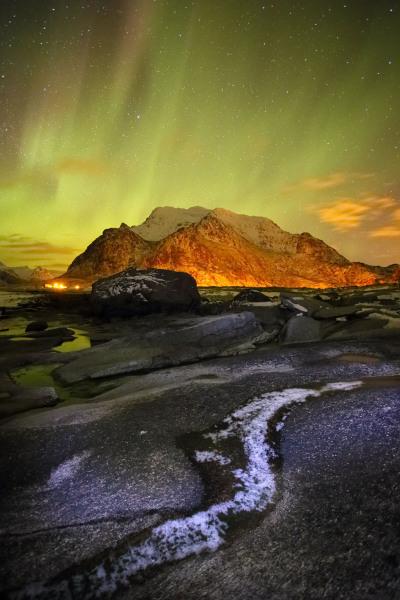 Utakliev aurora, Lofoten Islands, Norway T122
