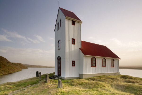 Icelandic church T126