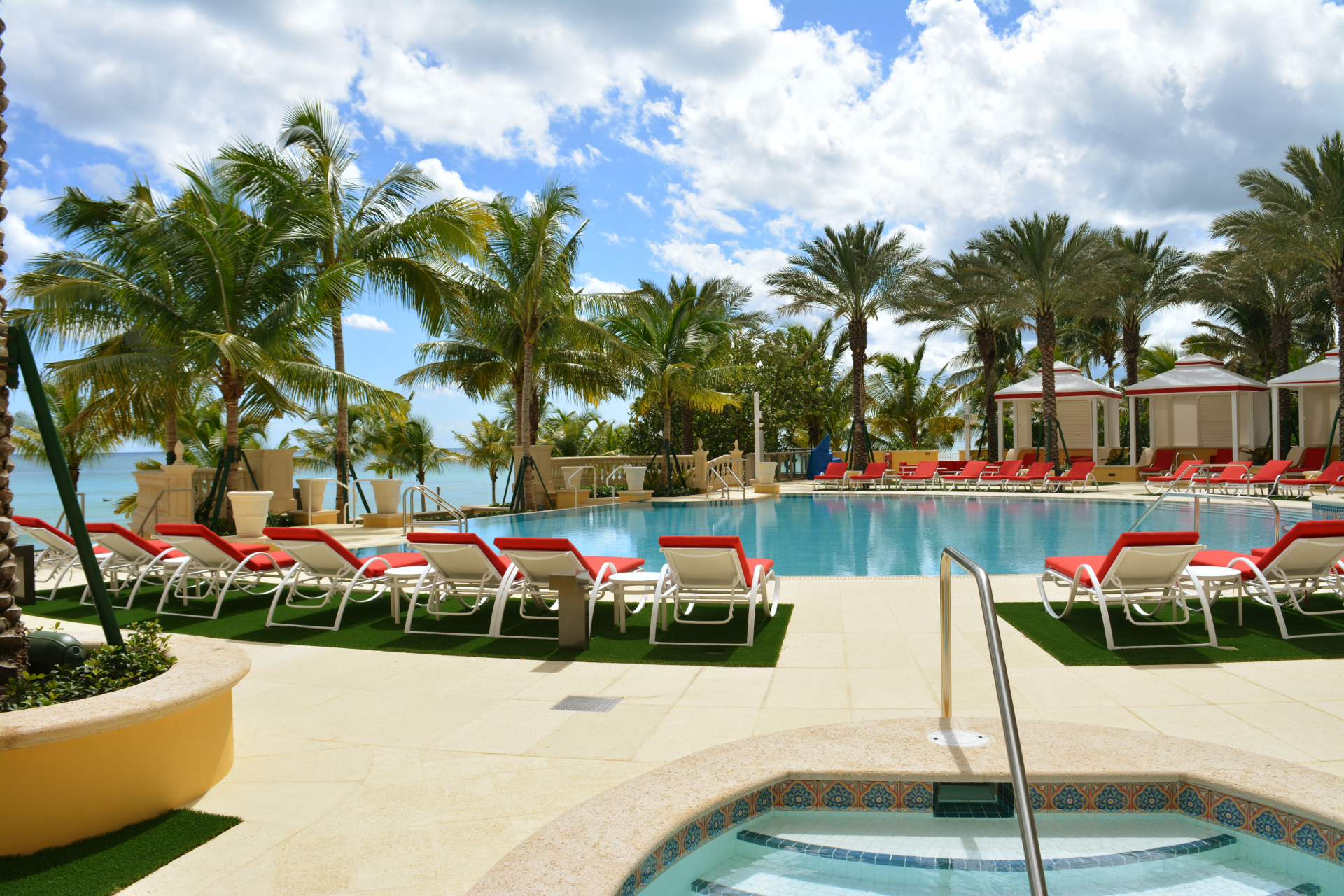 Mansions At Acqualina Miami pool deck photo