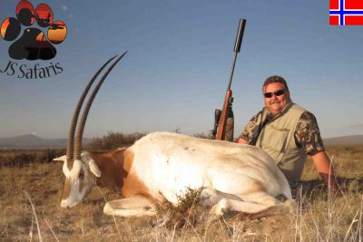 "<img src=""image.png"" alt=""scimitar horned oryx with js safaris"">"