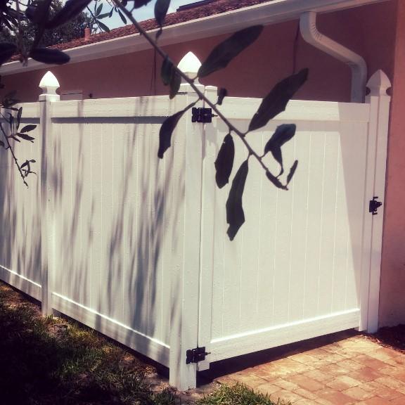 vinyl fence naples, vinyl fence marco island, vinyl fence repairs