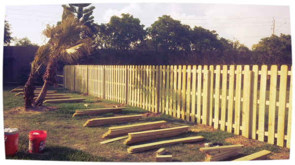 wood fence naples, shadow box wood fence naples, wood fence repair naples